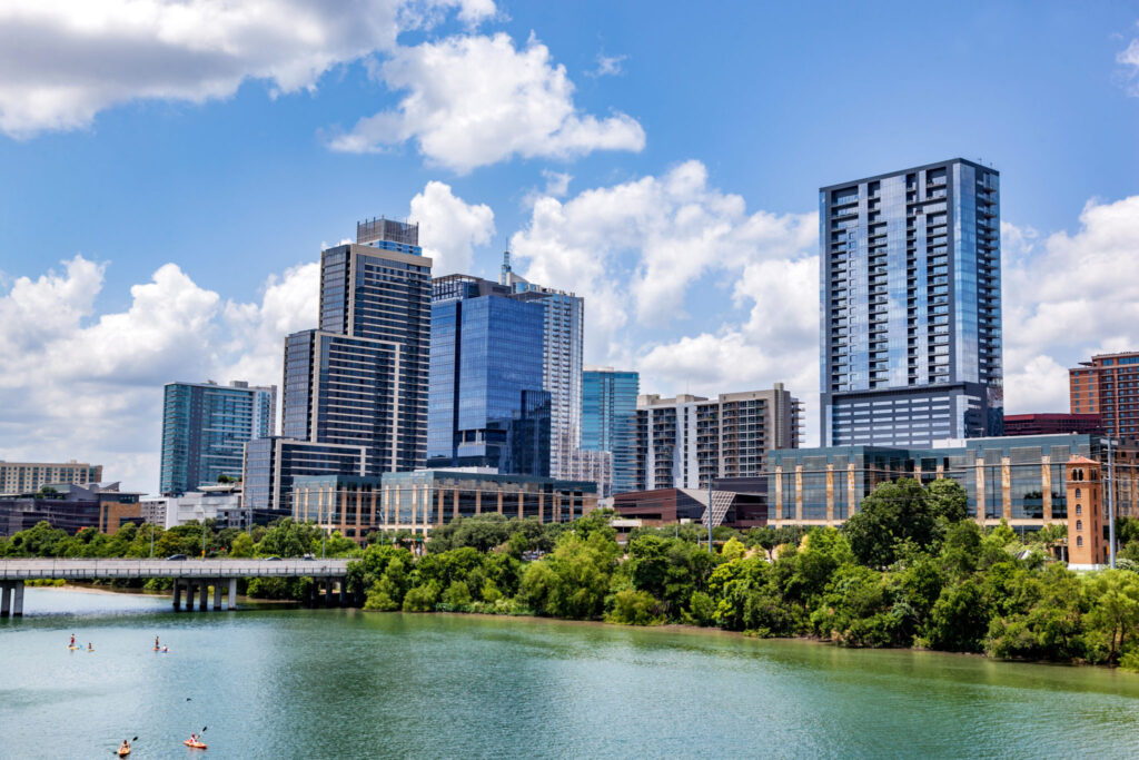 TOP REASONS WHY PEOPLE MOVE TO AUSTIN